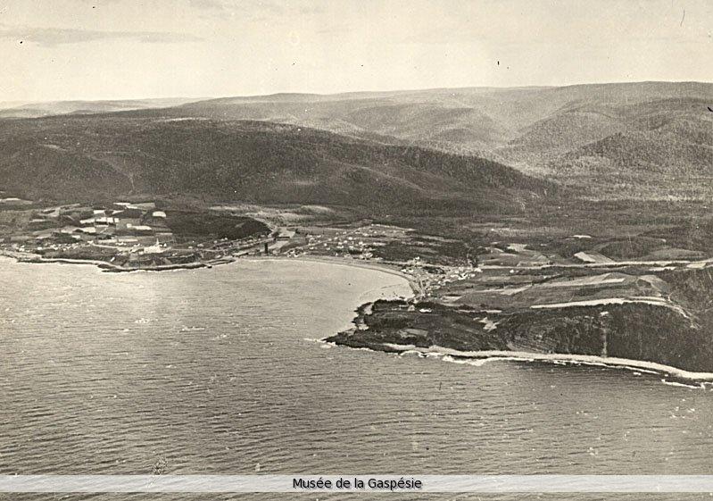 Photo: Jacques De Lesseps. Musée de la Gaspésie. Collection Centre d'archives de la Gaspésie. P57/4/62.